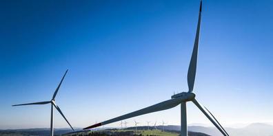 Der Kampf gegen Windturbinen eskaliert in der Waadt. Im Bild der Windpark auf dem Mont-Soleil bei Saint-Imier BE. (Symbolbild)
