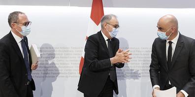 Bundespräsident Guy Parmelin, Gesundheitsminister Alain Berset und Kantonsvertreter Christian Rathgeb