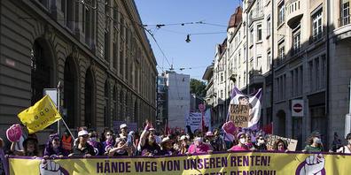 Der Demonstrationszug auf dem Weg zum Bundesplatz.