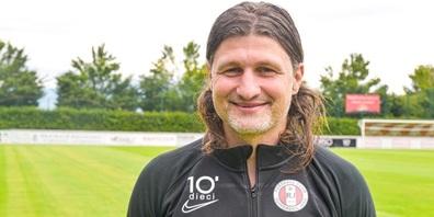 Der neue Trainer der U20 des FCRJ heisst Vero Salatic.