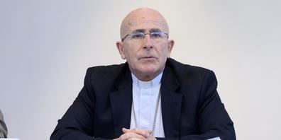 Joseph Maria Bonnemain, Bischof von Chur: «Komplexe naturwissenschaftliche Fragen gehören in Fachkreise.»