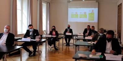 Eine Allianz aus SVP, CVP, FDP, Grüne, GLP, EVP und der IHK kämpfen gemeinsam für ein JA.