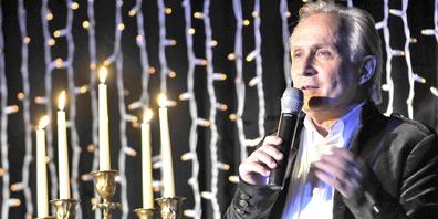 Der St.Galler TV-Profi Beat Antenen moderiert «Merry Christmas»