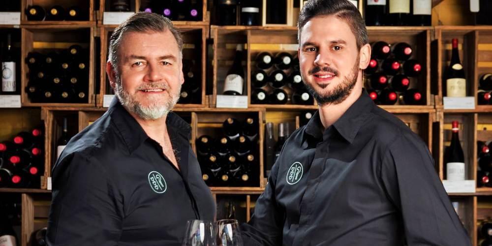 Mit dem Ladenlokal inmitten der Gourmet-Meile von Jona wird ein breites und einmaliges Sortiment an Weinen, Edeldestillaten und Gourmetartikeln angeboten.