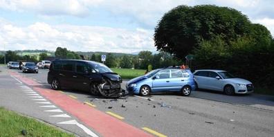 An den Autos entstand Sachschaden von rund 10'000 Franken.