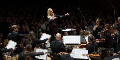 Das Swiss Orchestra in der Tonhalle