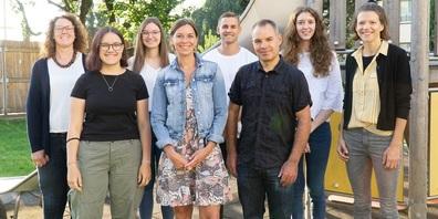 Im Bild von links: Tanja Schmid, Ella Hagmann, Dijana Jutric, Petra Hablützel, Andreas Brunner, Marcel Seewer, Michelle Bieri und Larissa Wild.