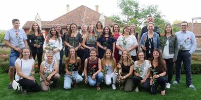 Wir gratulieren den frisch diplomierten Absolventen der Handelsschule edupool.ch am BZWU