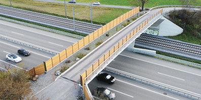 Zwischen Bad Ragaz und Fläsch (Wildtierkorridor SG26/GR20) konnte letzte Woche eine neue Wildbrücke in Betrieb genommen werden.