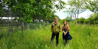 Durch die SBB Servicegleisanlage würden wertvolle Obstbäume vernichtet. Ein Irrsinn, finden Daniel Rohr und Nicole Fritschi.