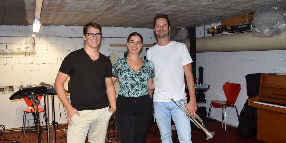 Das Herz der neuen Elektro-Band, die noch keinen Namen trägt (v. l.): Thise Meyer – E-Drums; Dia Doda – Vocals; und Kevin Schmid – Trompete.