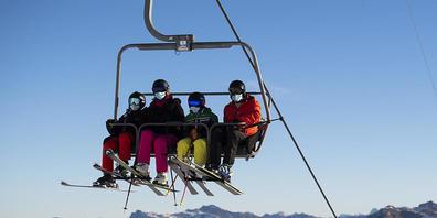 Keine Schliesstage im Winter und ein guter Sommerbetrieb haben die Arosa Bergbahnen AG vor einem noch schlechteren Geschäftsabschluss bewahrt.
