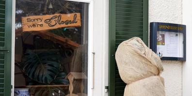 Restaurants mussten lange geschlossen haben. Im Bild das Restaurant Kappelle in Lachen.