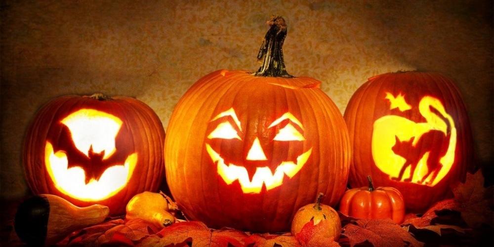 In den Geschäften gibt es unterdessen allerlei Artikel für das Halloweenfest am 31. Oktober zu kaufen.