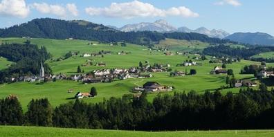 Sicht auf die Gemeinde Hundwil.