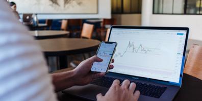 Ohne Grundlagen-Wissen erweist sich der Kauf von Aktien als deutlich komplizierter.