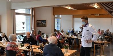 Der Küchenchef von Thurvita, Philipp Wettach, freut sich, die Bewohnenden wieder im Speisesaal verköstigen zu dürfen.