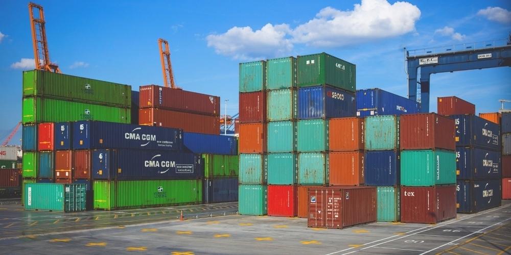 2020 exportierte die Kernregion Ostschweiz Güter im Wert von CHF 14.9 Mrd. – rund 5 % weniger als 2019. (Symbolbild)