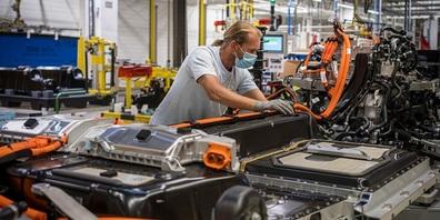 Batteriemontage für Elektrofahrzeuge im Werk von Volvo Cars in Gent, Belgien.