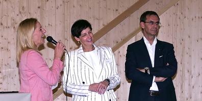 Sie sind politisch in Kanton St.Gallen bzw. Land Vorarlberg für das Jahrhundertprojekt zuständig: Regierungsrätin Susanne Hartmann (Mitte) und Landeshauptmann Markus Wallner