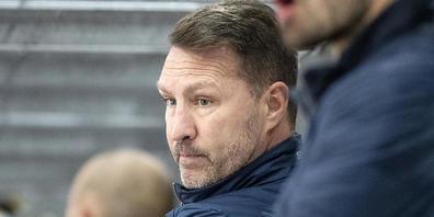 Cheftrainer Jeff Tomlinson kommt mit Kloten gegen Olten in extremis zum ersten Sieg