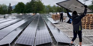 Gebaut wurde die Anlage auf dem Dach der Eishalle Lerchenfeld.
