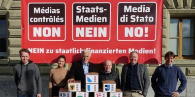 Referendumskomitee (v.l.n.r.): Alec von Barnekow (Jeunes Libéraux-Radicaux, FR), Evelyn Motschi (Jungfreisinnige, AG), Peter Weigelt (Präsident, SG), Bruno Hug (SG), Philipp Gut (Geschäftsführer, AG), Christian Keller (BS).