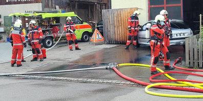 Die Feuerwehr Bäretswil soll mit neuen Fahrzeugen ausgerüstet werden. (Symbolbild)