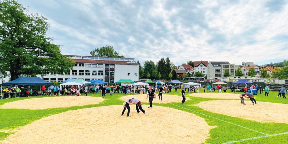 Festplatz des Nordostschweizer Nachwuchsschwingfestes in  Herisau.
