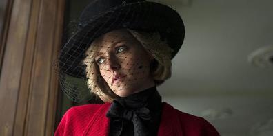 """ARCHIV - ARCHIV - Kristen Stewart als Prinzessin Diana im Film """"Spencer"""" (undatierte Aufnahme). Der Film wurde bei den 78. Internationalen Filmfestspielen von Venedig im Wettbewerb vorgestellt. (zu dpa """"Diana-Hommage oder politisches Drama? Favori..."""