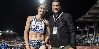 Lea Sprunger mit ihrem Trainer Laurent Meuwly