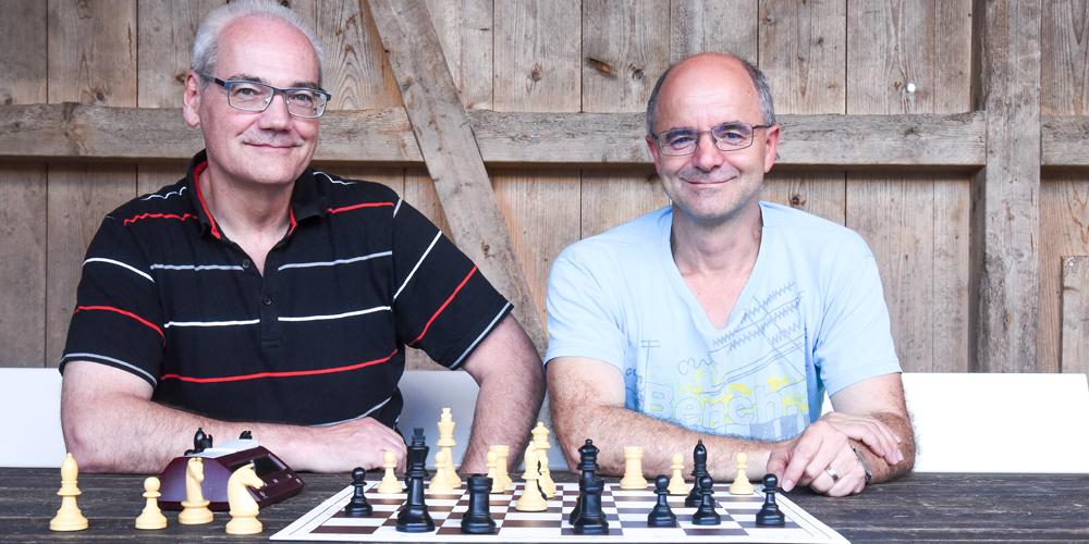 Der Präsident des Schachclub Rapperswil, Markus Rhyner (l) und der Vizepräsident, Thomas Hofstetter im Linth24 Gespräch