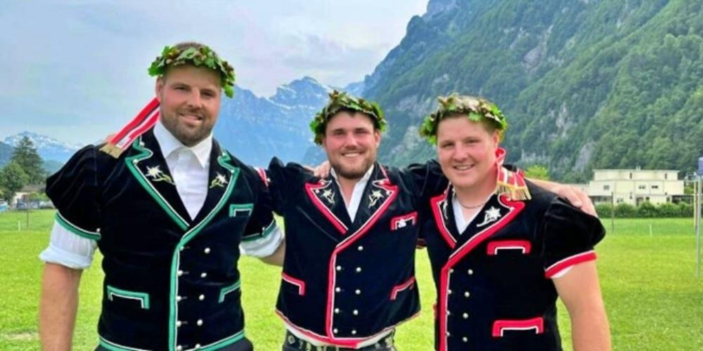 Erfolgreiche Rapperswiler Schwinger: (v.l.n.r) Tobias Riget, Pirmin Gmür und Florian Riget.