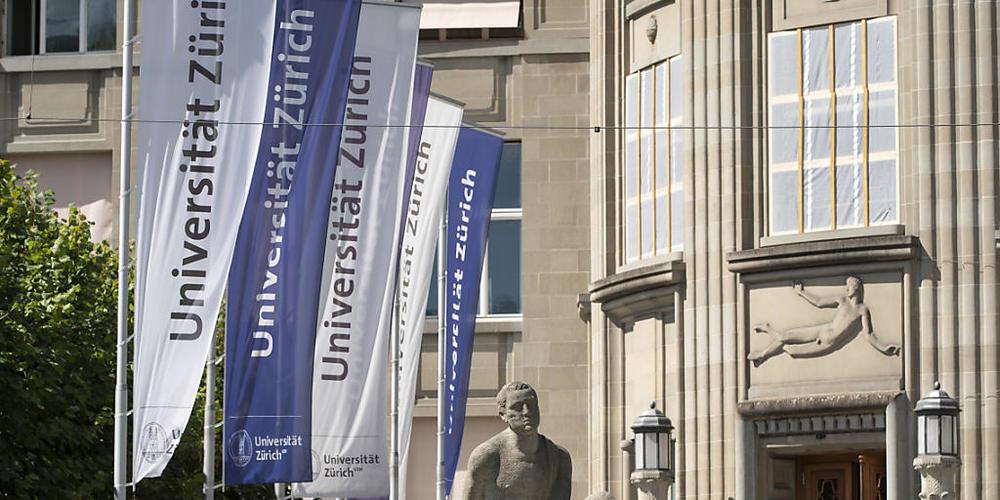 Die Universität Zürich will ungeimpften Studierenden bis zum Ende der Prüfungsphase, Ende Februar 2022, die Corona-Tests in der Uni bezahlen. (Archivbild)