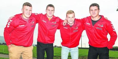 Diese vier jungen Männer vertreten den Schwingklub March-Höfe am Eidgenössischen Nachwuchsschwingertag.