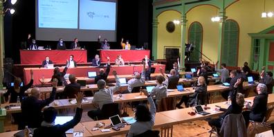 Das Wiler Stadtparlament bei einer Abstimmung. Gibt es solche Bilder ab 2024 auch in Rapperswil-Jona?