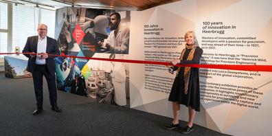 Karin Stäbler und Leica-CEO Thomas Harring eröffneten die Jubiläumsausstellung bereits im April - damals leider noch ohne Publikum
