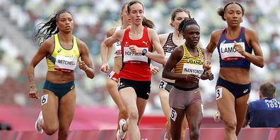 Lore Hoffmann verteidigt sich im 800 m gut und schafft es in die Halbfinals