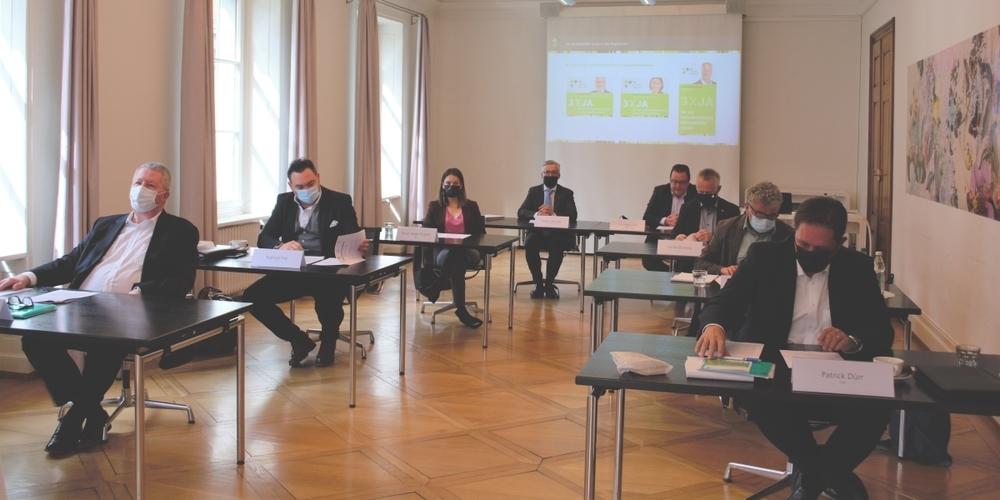 Vertreten sind alle St.Galler Parteien ausser der SP sowie die Industrie- und Handelskammer St.Gallen-Appenzell.