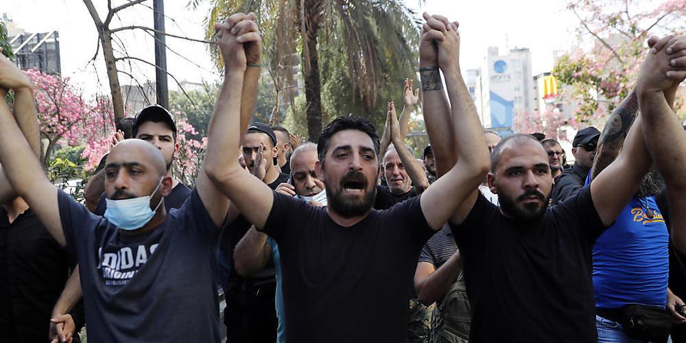 Bei Protesten in Beirut ist es zu einem Zusammenstoß von Demonstranten und Sicherheitskräften gekommen, bei denen es Tote und Verletzte gab. Foto: Hussein Malla/AP/dpa