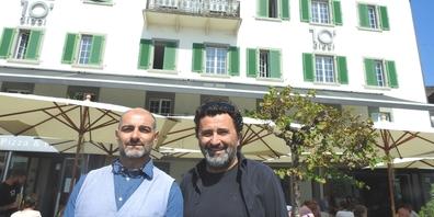 Rocco Delli Colli (r.) und Osteria-Chef Michele Di Fiore vor dem Dieci al Lago.