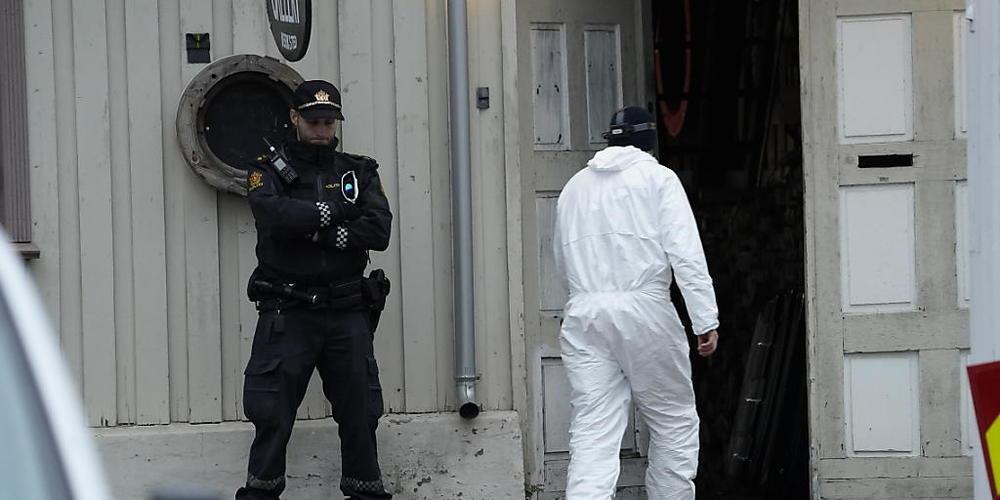 Nach der Gewalttat in der norwegischen Kleinstadt Kongsberg ermittelt die Polizei zu den Hintergründen. Foto: Terje Bendiksby/NTB/dpa