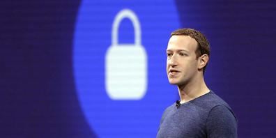 Facebook-Chef  Mark Zuckerberg steht nach Anschuldigungen eines ehemaligen Mitarbeiters weiter unter starkem Druck. (Archivbild)