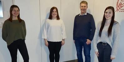 Alt-Jungmusikobmann Pascal Benz und seine drei Nachfolgerinnen Carmen Herrsche, Nicole Gschwend und Carolin Hollenstein