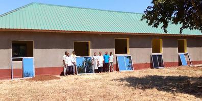 Nach einem Erdbeben macht die Renovation der Geburten- und Kinderabteilung am Spital Mwanga grosse Fortschritte.