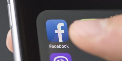 """Facebook, Instagram, Twitter und Co: Die sozialen Menschen ziehen viele Menschen in ihren Bann. Wieso gerade das Streben """"Likes"""" zwanghaft werden kann, erläutern Forschende anhand von psychologischen Konzepten, Beobachtungen und Online-Experimente..."""