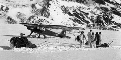 Vor 75 Jahren, am Dienstag, 19. November 1946 schlug eine amerikanische Douglas C-53 Dakota bei schlechtem Wetter im Blindflug unsanft auf dem Gauligletscher in den Berner Alpen auf.