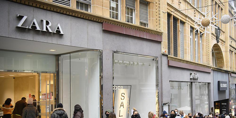Die Zara-Muttergesellschaft Inditex erwartet auch im Herbst- und Winterhalbjahr wieder gute Geschäfte (Archivbild).