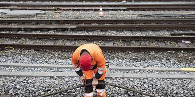 Wegen Arbeiten im Bahnhof Altstätten muss die Bahnverbindung im Rheintal an zwei Wochenenden im Juli unterbrochen werden. (Symbolbild)