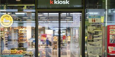 """Die Verkaufsstellen von """"k kiosk"""" und """"Press & Books"""" empfangen und verschicken nun auch UPS-Päckli. (Archivbild)"""